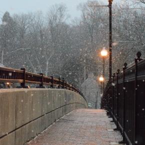 Soudain la neige descend descieux